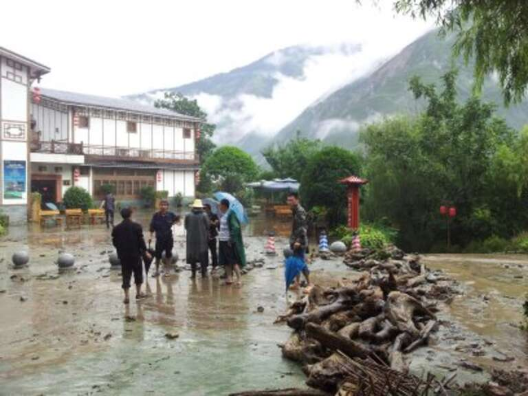Rescue team of CSO Response Network supported by One Foundation and Save the Children in Sichuan province