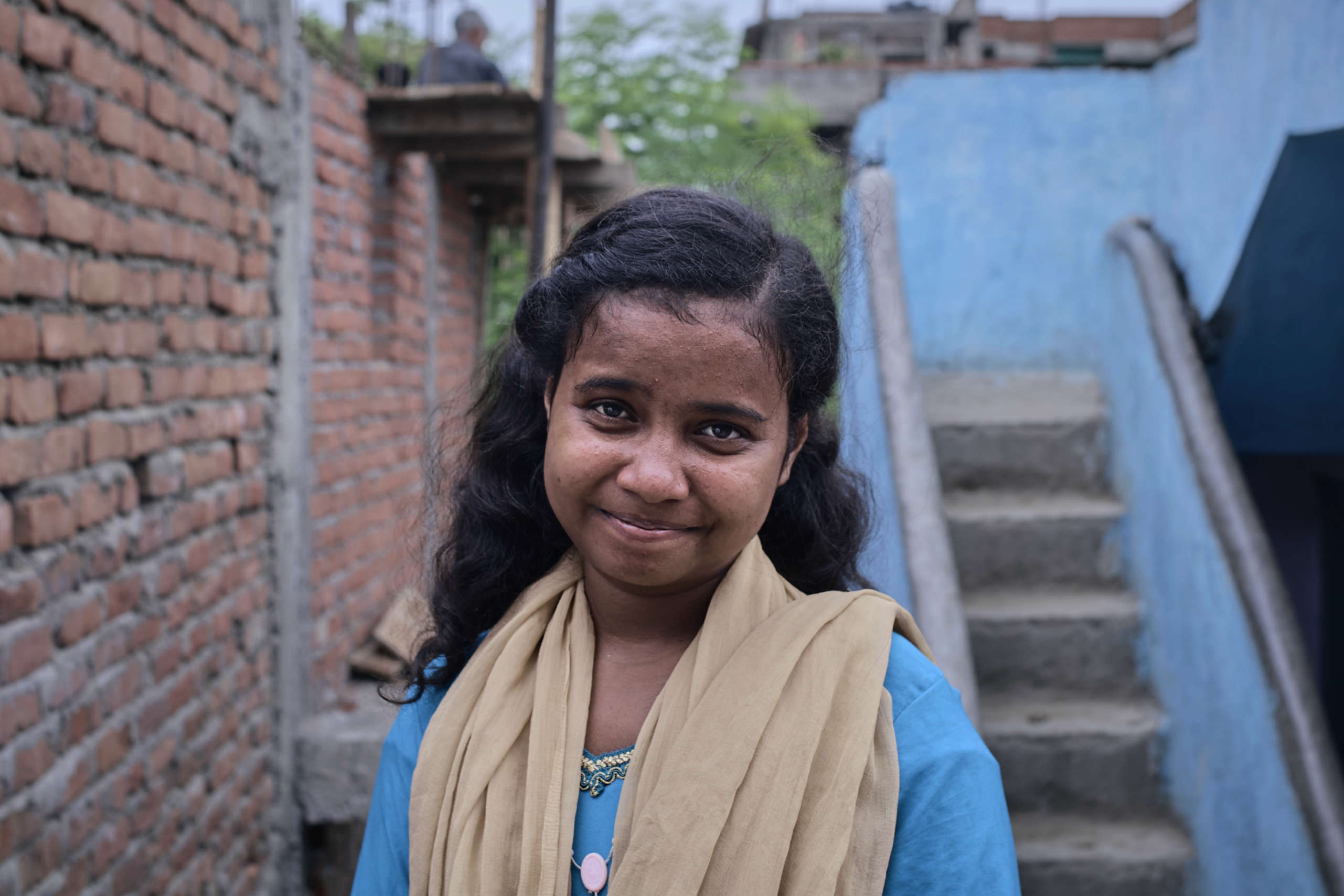 13-year-old Munni was engaged to be married, like so many girls in the slums of Patna, India, now she is a community hero and has returned to school.