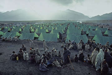 A camp for displaced people during the 1984 Ethiopia famine.