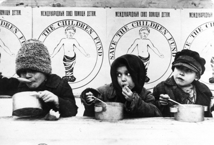 Children being fed by save the children during the 1921 famine